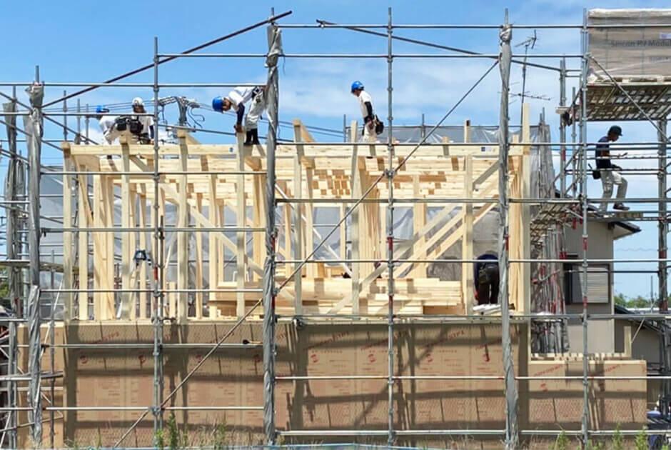 確かな技術を持つ専属大工で安心施工