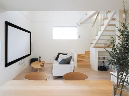 洗練された白でつくる開放感のある家